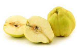 kdoule quince cut rozkrojené ovoce fruit